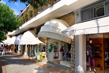 In Capri you can find exklusive boutiques (© Rick Henzel - Fotolia)