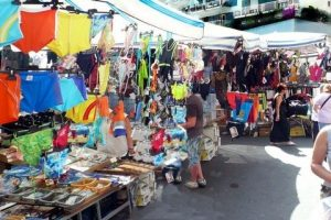 Shopping in Naples: Mercato Antignano on Vomero hill (© Portanapoli.com)