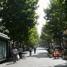 The most beautiful Shopping streets in Naples