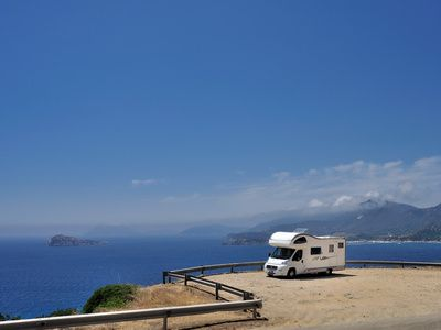 Discover Italy with a campervan (© Stefano Neri - Fotolia.com)